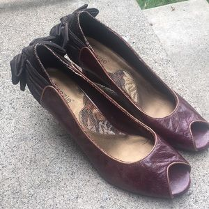 Kenzie wedge peep toe shoes